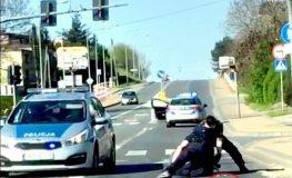Agresywny i pobudzony mężczyzna groził policjantom, że ich pozabija