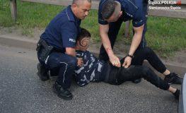 W trakcie ucieczki potrącił policjantów