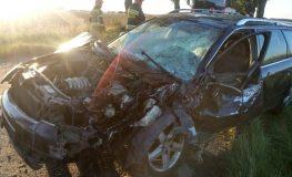 Czołowe zderzenie osobówki z ciągnikiem rolniczym w Boniowicach
