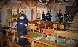 Przyjęcie w restauracji mimo obostrzeń | Fot. Policja Śląska